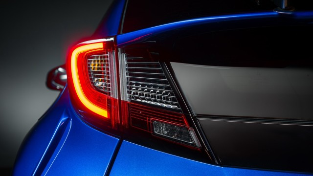 2015-honda-civic-facelift-unveiled-including-new-sport-model-photo-gallery_3