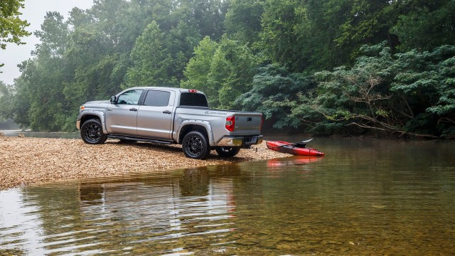 2015-toyota-tundra-bass-pro-shops-off-road-edition-002-1