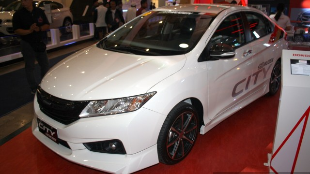 Honda-City-Mugen-at-the-Philippines-Internatinal-Motor-Show-2014