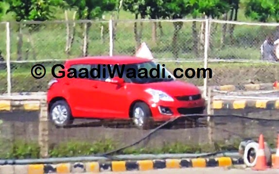 Maruti-Swift-facelift-spied-India-front-quarter