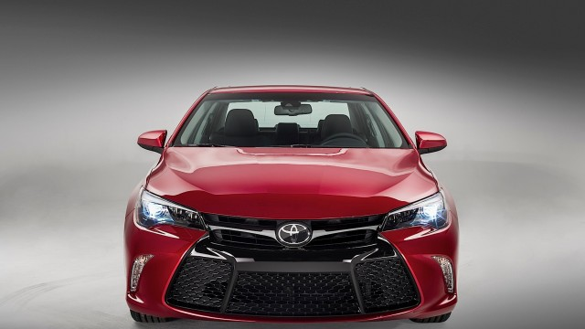 your-new-2015-toyota-camry-starts-at-22970_5