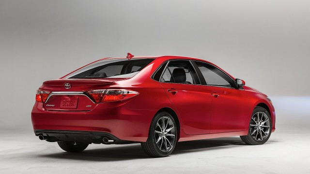 your-new-2015-toyota-camry-starts-at-22970_7