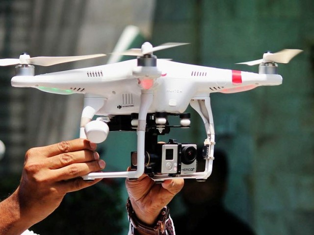 747408-dronesurveillance-1407806734-318-640x480
