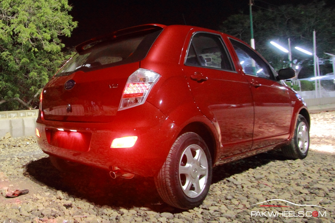 Driven-FAW-V2-Pakwheels-Exterior (2)