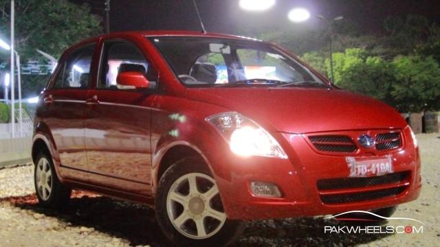 Driven-FAW-V2-Pakwheels-Exterior (4)