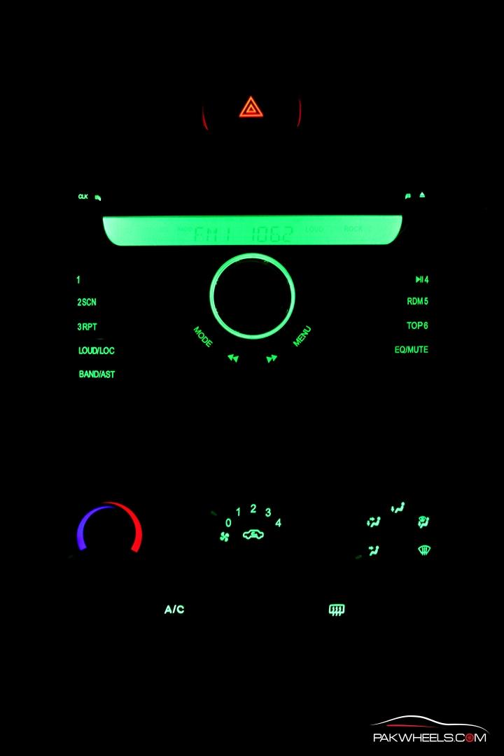 Driven-FAW-V2-Pakwheels-Interior (12)