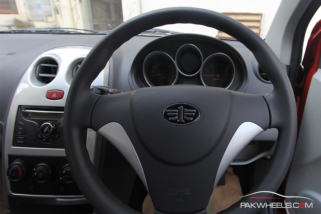 Driven-FAW-V2-Pakwheels-Interior (7)