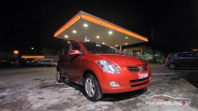 Driven-FAW-V2-Pakwheels-Introduction (1)