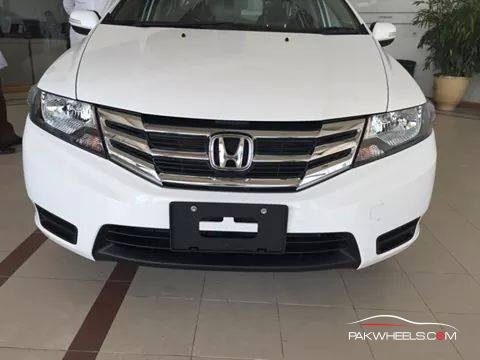 Honda City Pakistan 2014 (1)