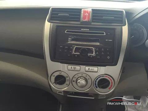 Honda City Pakistan 2014 (5)