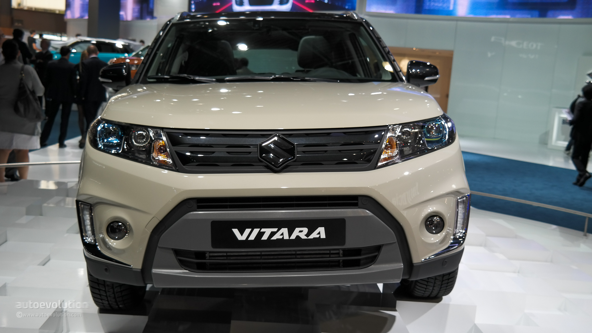 new suzuki vitara unveiled at paris auto show pakwheels blog. Black Bedroom Furniture Sets. Home Design Ideas