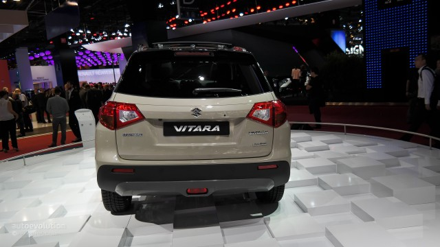 the-all-new-suzuki-vitara-makes-first-appearance-at-paris-2014-live-photos_7