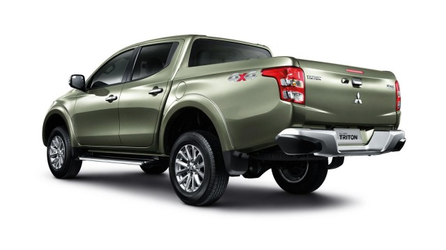 2015-mitsubishi-triton-l200-debuts-in-thailand-video-photo-gallery_4