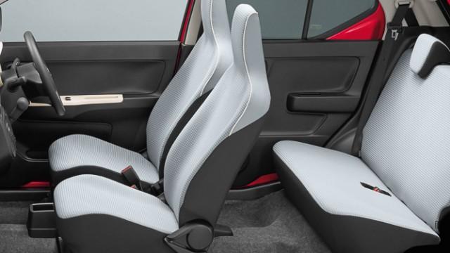 2016-Suzuki-Alto-JDM-cabin
