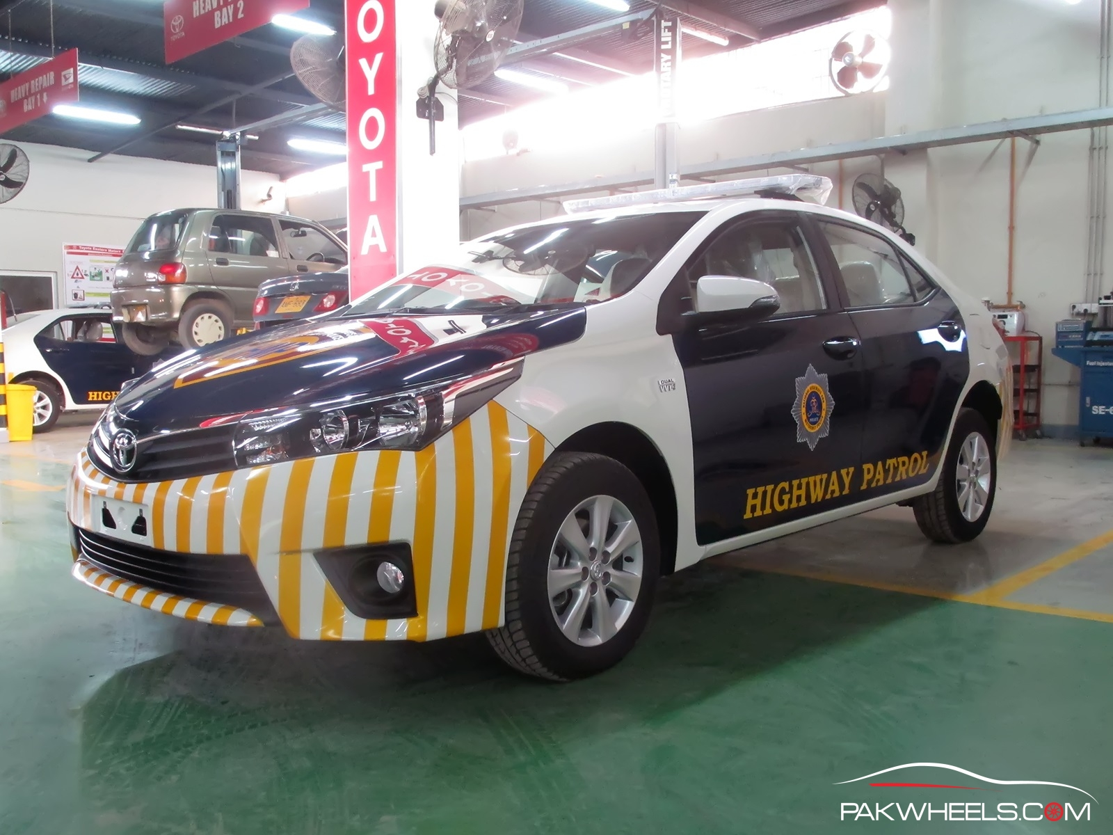 Motorway Police Toyota Corolla Altis 1 (12)
