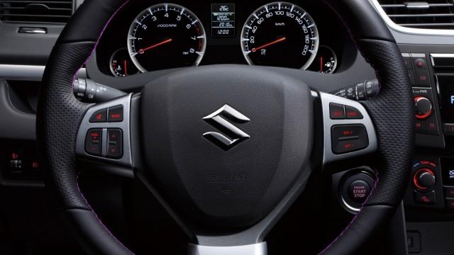 Suzuki-Swift-Posh-Edition-steering