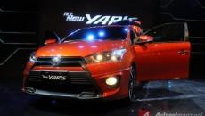 2014-Toyota-Yaris-Front-Angle