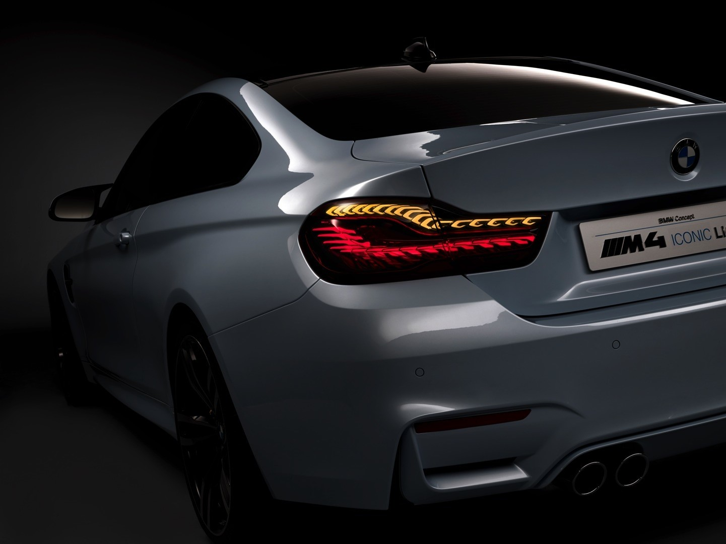 bmw-m4-concept-iconic-lights-brings-intelligent-laser-beams-and-oleds-at-ces-photo-gallery_2