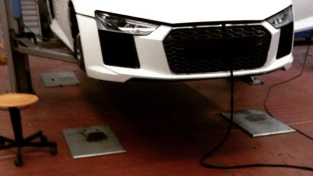 2016-audi-r8-shows-up-camo-free-before-geneva-motor-show-debut-92053_1-640x360
