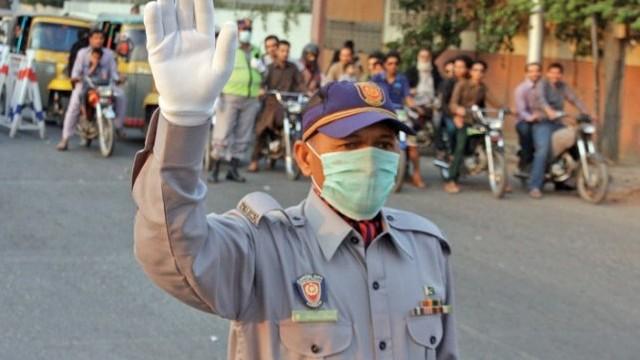 New uniforms for traffic police in Karachi