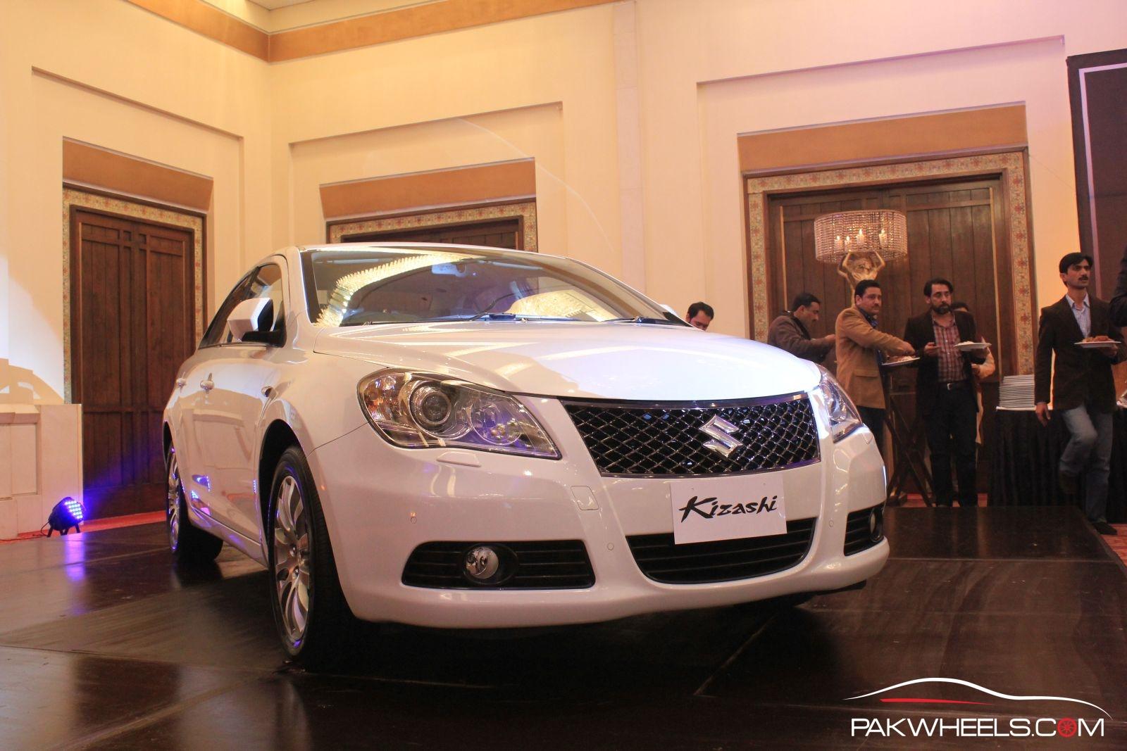 Suzuki Kizashi Officially Launched in Pakistan 24