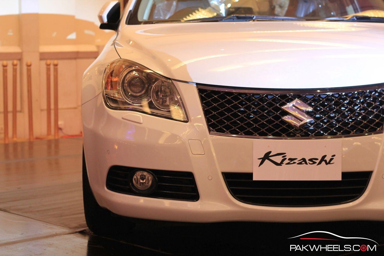 Suzuki Kizashi Officially Launched in Pakistan 33