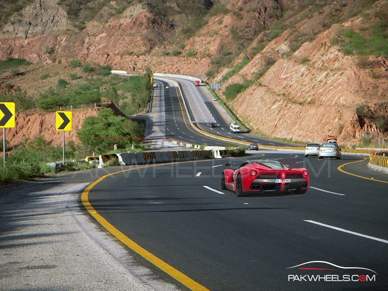 LaFerrari in Pakistan  (7)