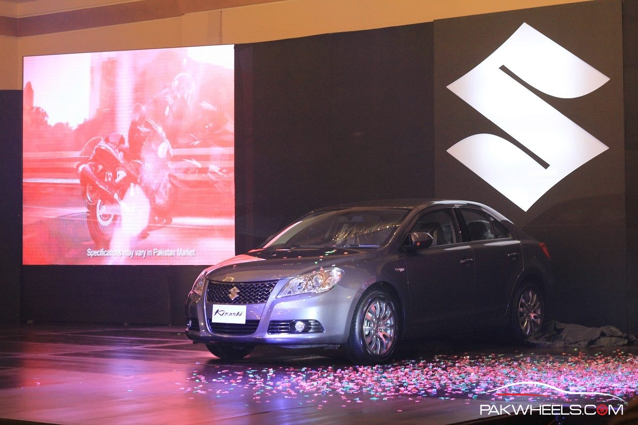 Suzuki Kizashi Officially Launched in Pakistan  (2)
