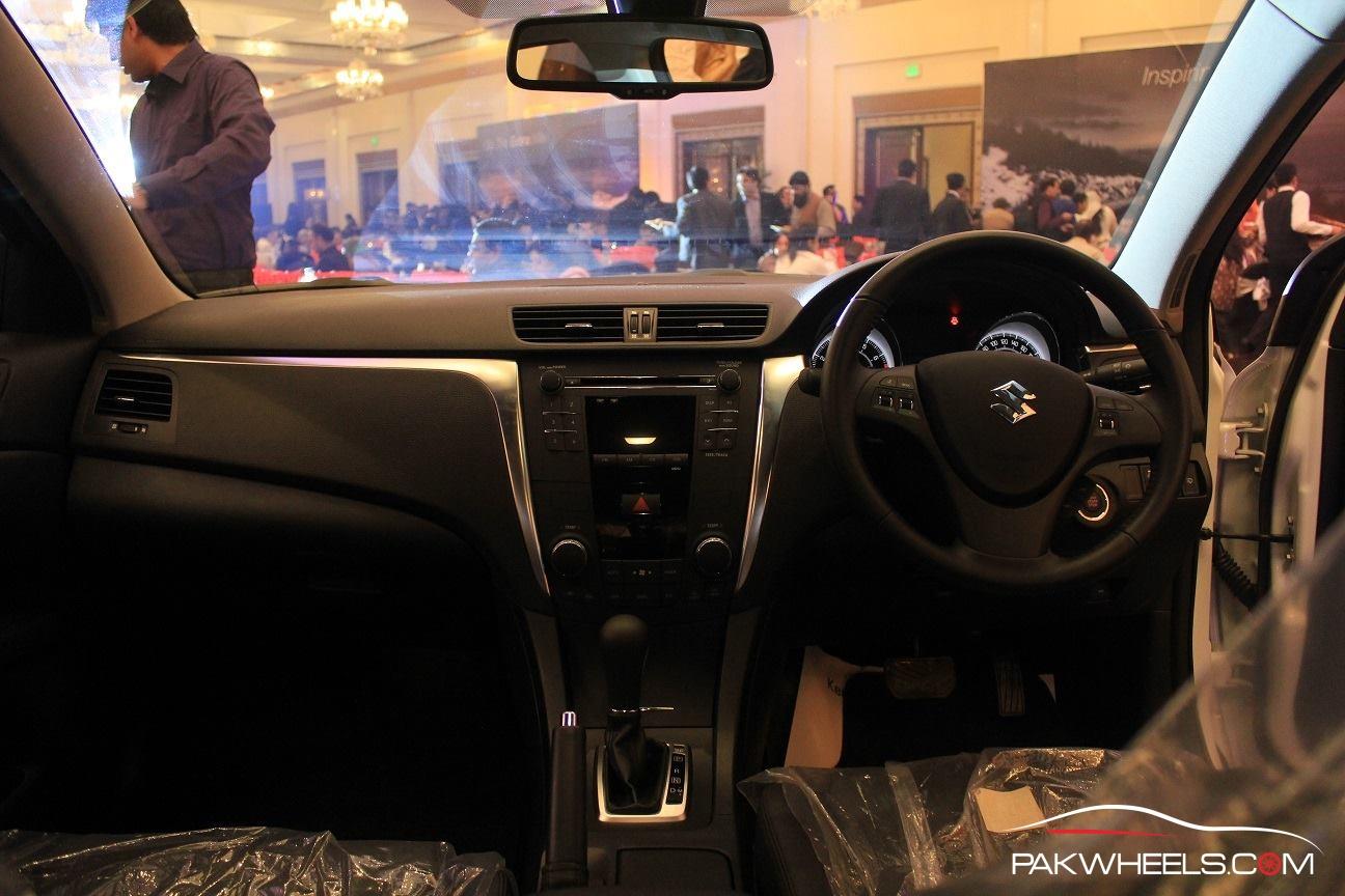 Suzuki Kizashi Officially Launched in Pakistan  (3)