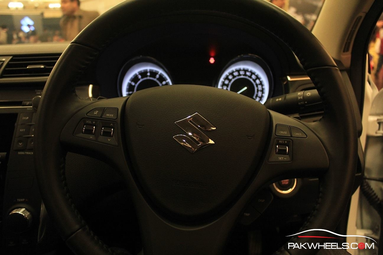 Suzuki Kizashi Officially Launched in Pakistan  (7)