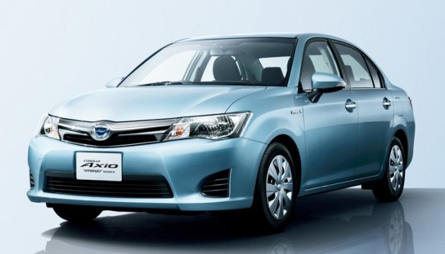 Toyota_Corolla_Axio_Fielder_Hybrid_014-e1375843800113-630x362