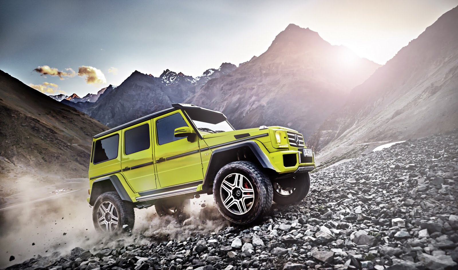 mercedes-g500-4x4-makes-video-debut-with-its-new-4-liter-twin-turbo-v8-photo-gallery_1