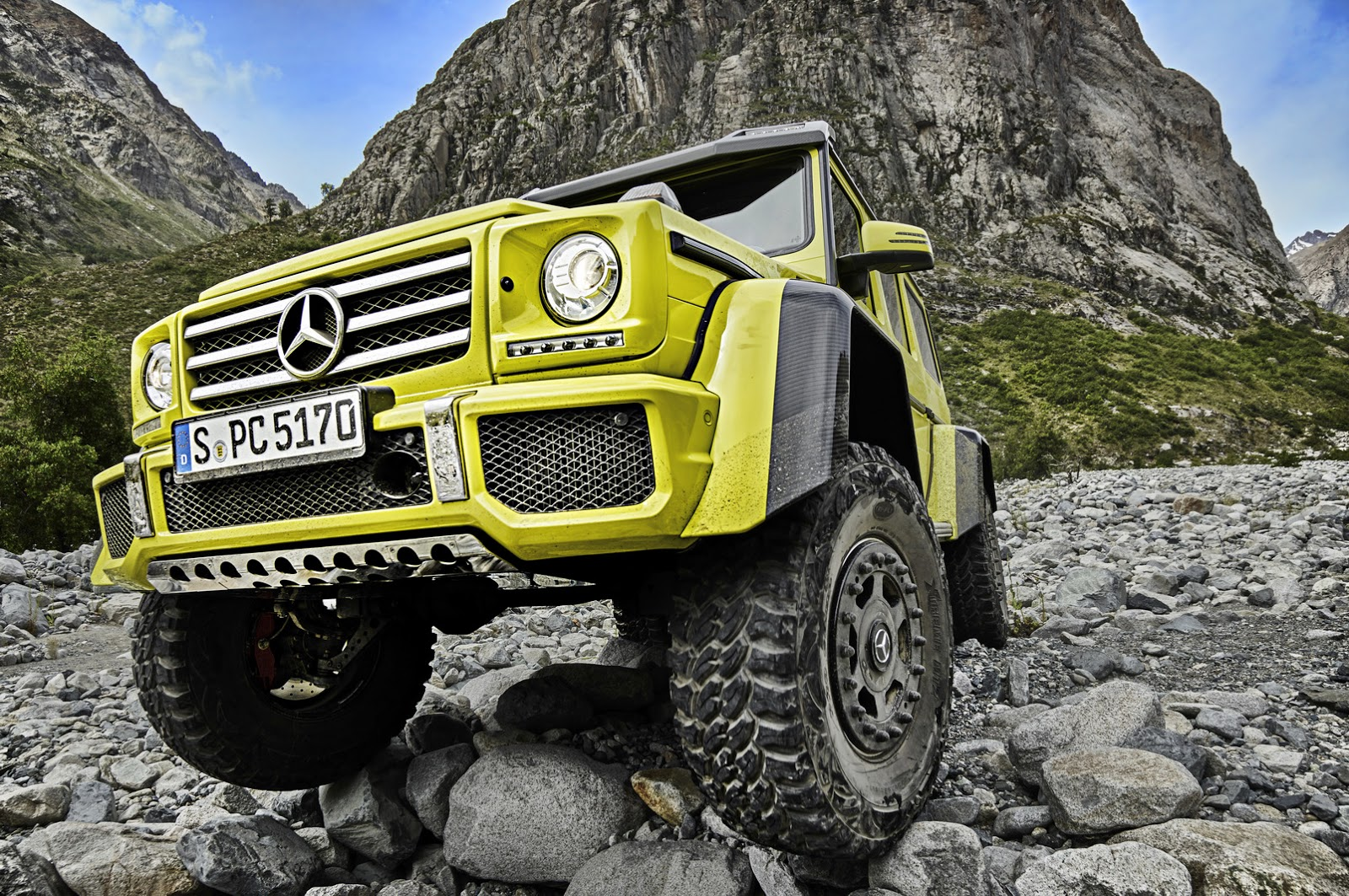 mercedes-g500-4x4-makes-video-debut-with-its-new-4-liter-twin-turbo-v8-photo-gallery_2