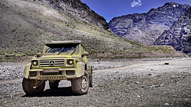mercedes-g500-4x4-makes-video-debut-with-its-new-4-liter-twin-turbo-v8-photo-gallery_6