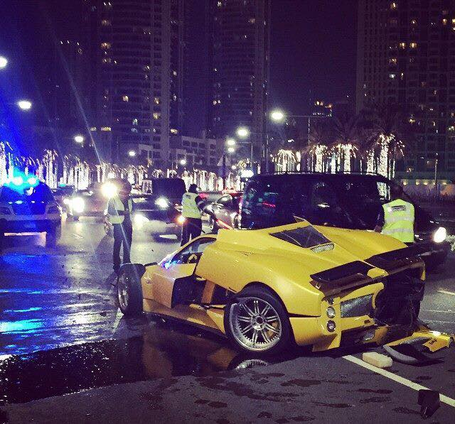seeing-one-of-only-25-pagani-zonda-f-totaled-might-bring-a-tear-to-your-eye_3