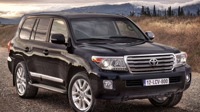 toyota-land_cruiser_01_0