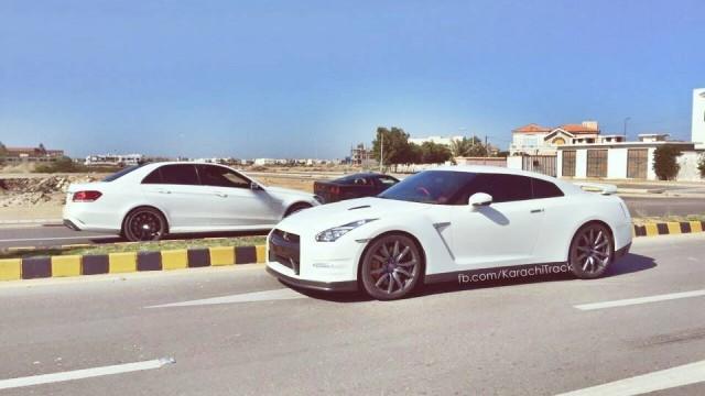 Cars in Karachi