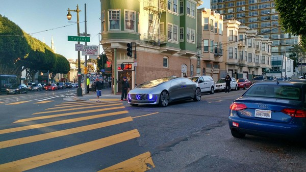 The Driverless Car From Mercedes Left Residents Of San Francisco In A Dilemma Had Laid Their Steps Technology Cars And