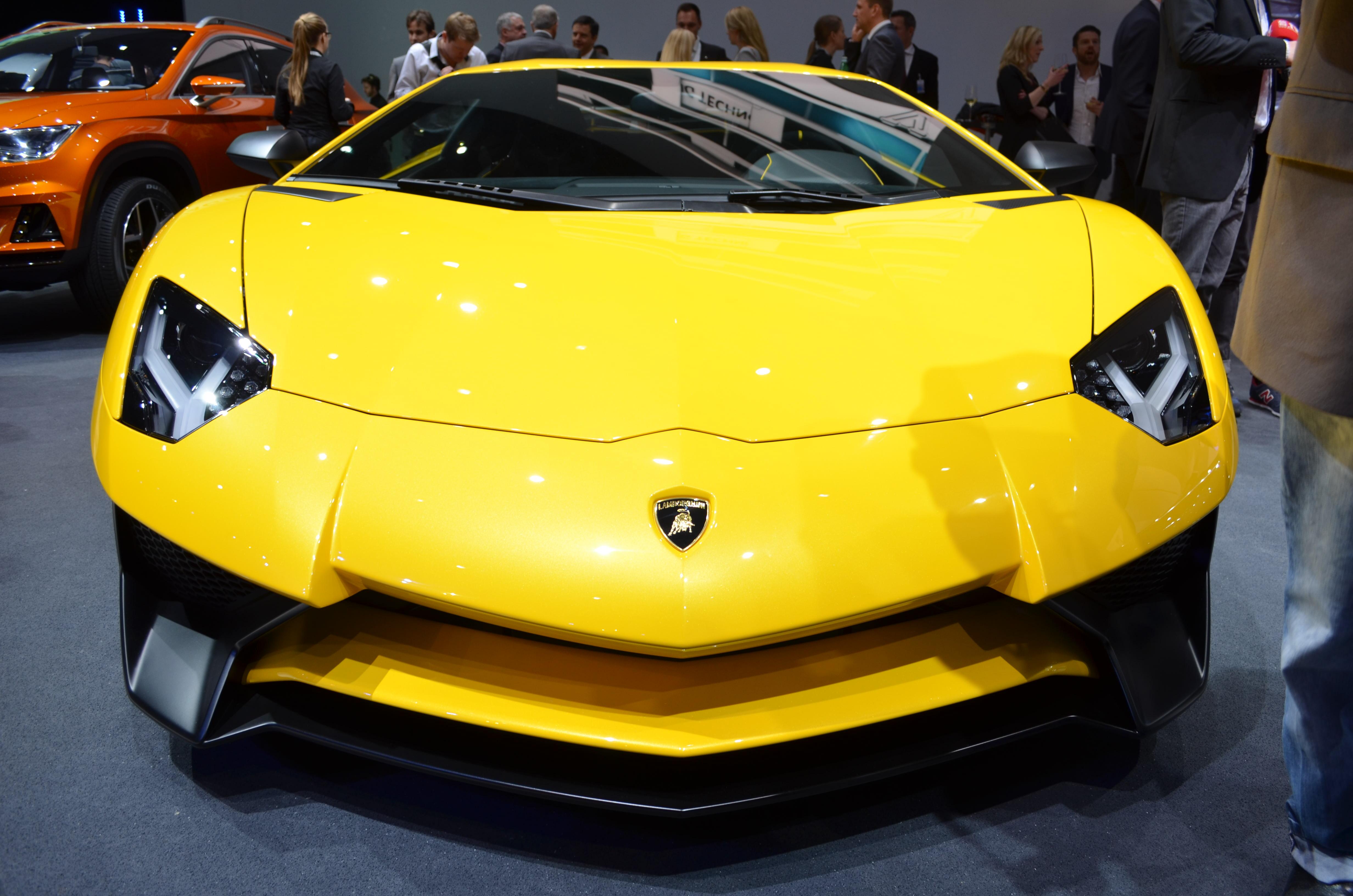 Lamborghini-Aventador-SV-17