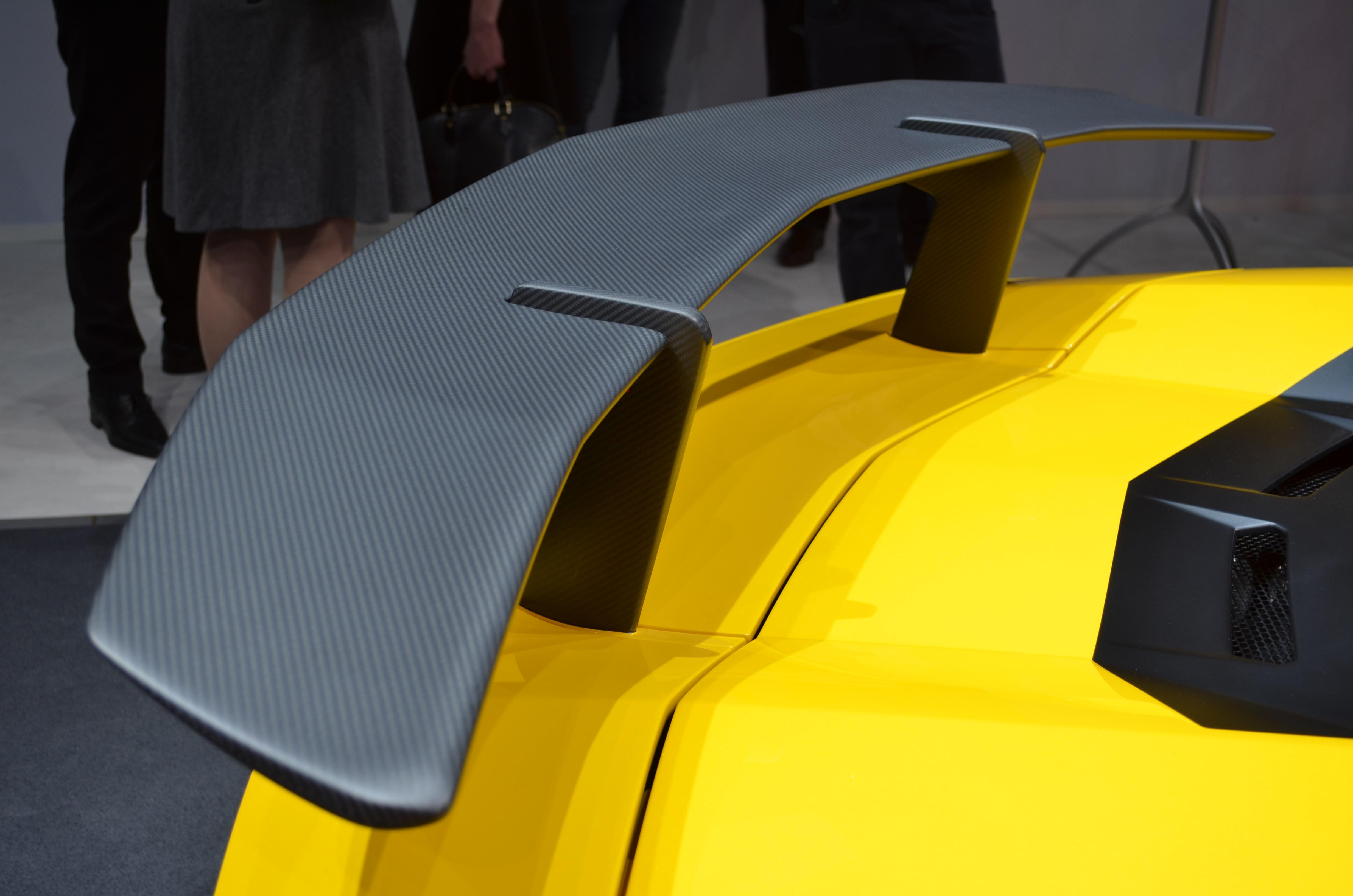 Lamborghini-Aventador-SV-7