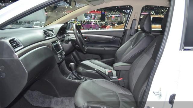 Suzuki-Ciaz-Aero-front-seats-at-the-2015-Bangkok-Motor-Show