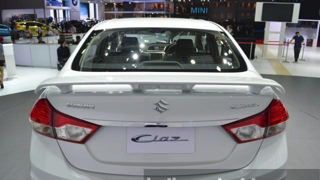 Suzuki-Ciaz-Aero-rear-spoiler-at-the-2015-Bangkok-Motor-Show