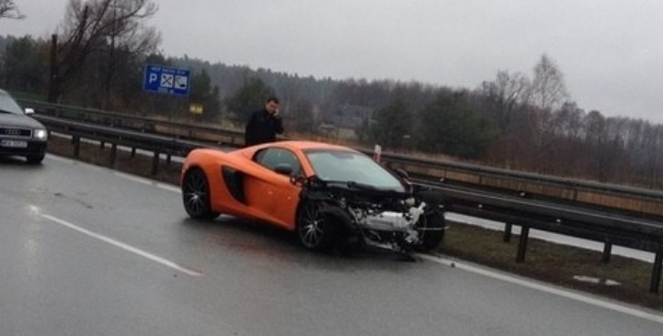 mclaren-650s-crashes-on-wet-road-in-poland-video_2