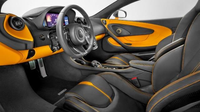 McLaren-540C-Coupe-dashboard