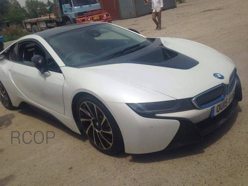First BMW i8 in Pakistan
