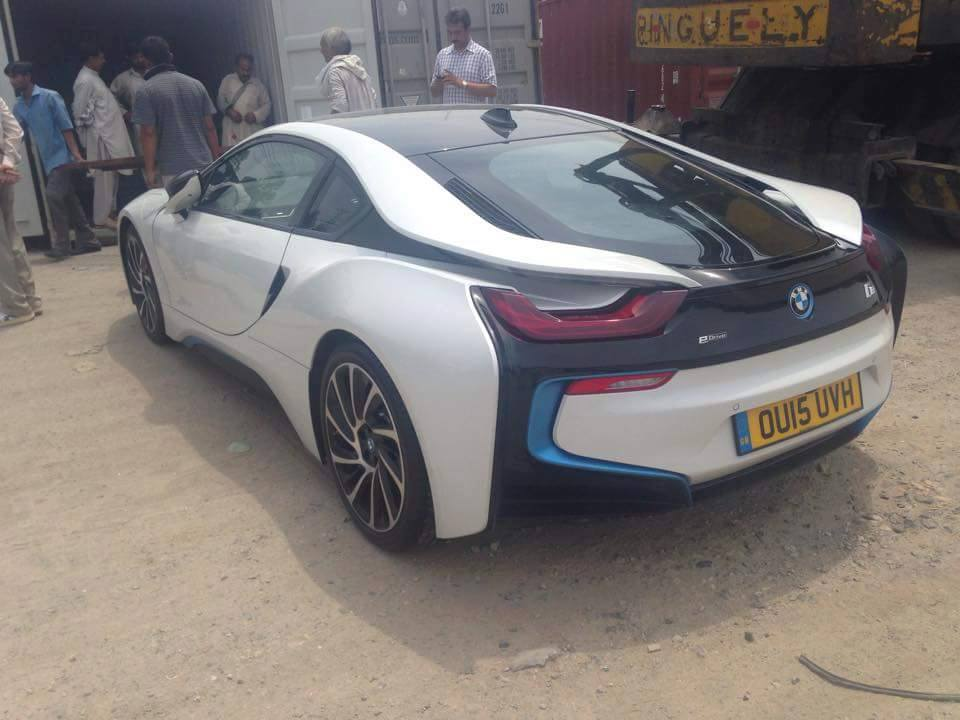 Updated Pakistan S First Bmw I8 Spotted Pakwheels Blog