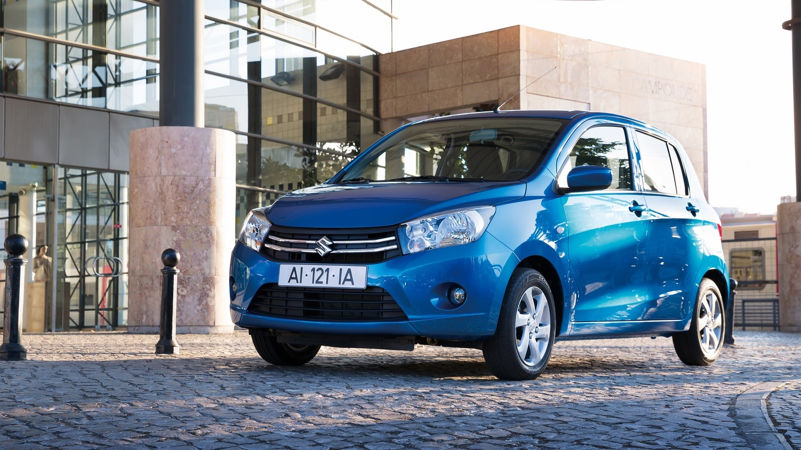 2015-Suzuki-Celerio-front-three-quarters-left