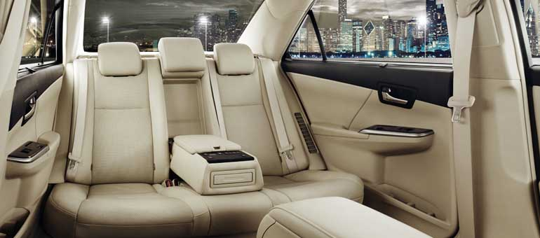 2015-Toyota-Camry-rear-cabin-official-image