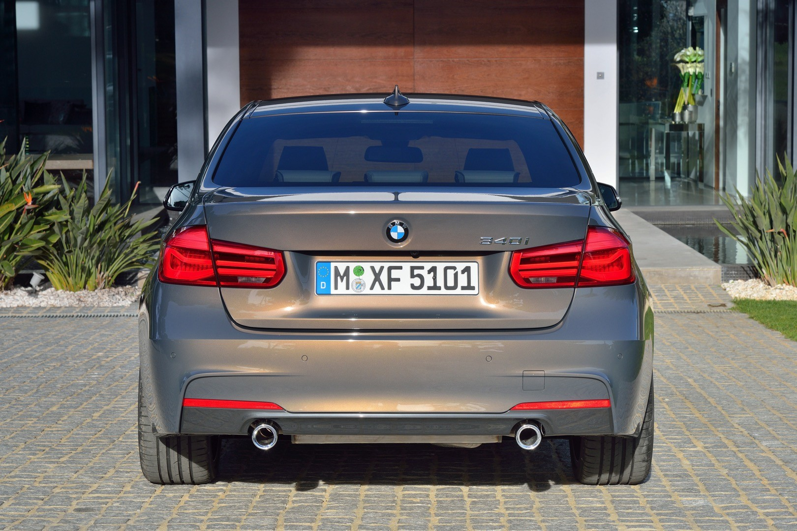 2016-bmw-3-series-facelift-officially-unveiled-with-new-engines-and-plug-in-hybrid_67