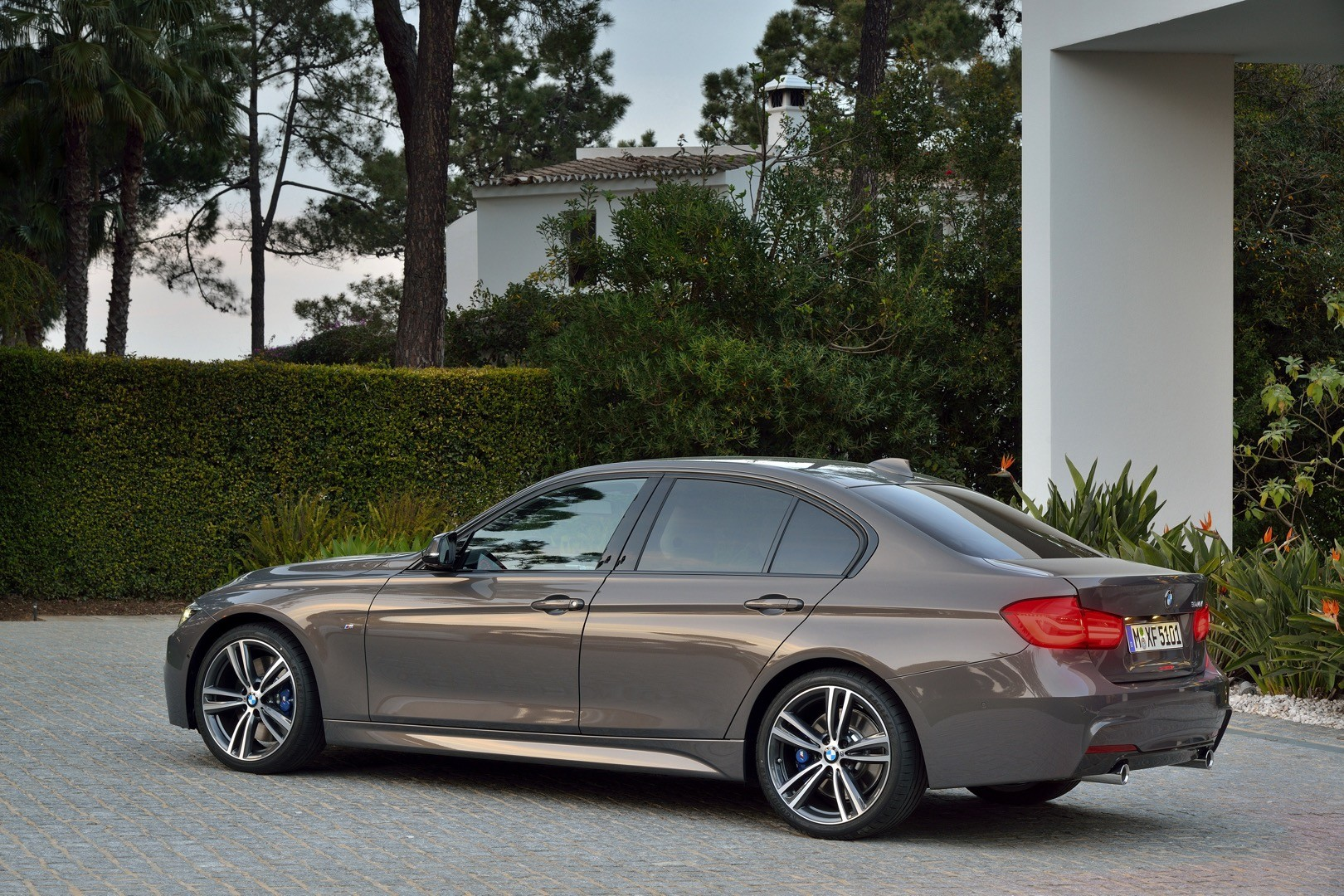 2016-bmw-3-series-facelift-officially-unveiled-with-new-engines-and-plug-in-hybrid_69